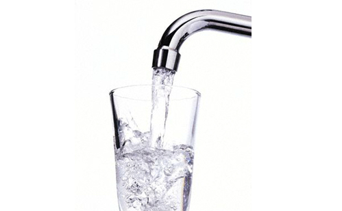 drinking_tap_water